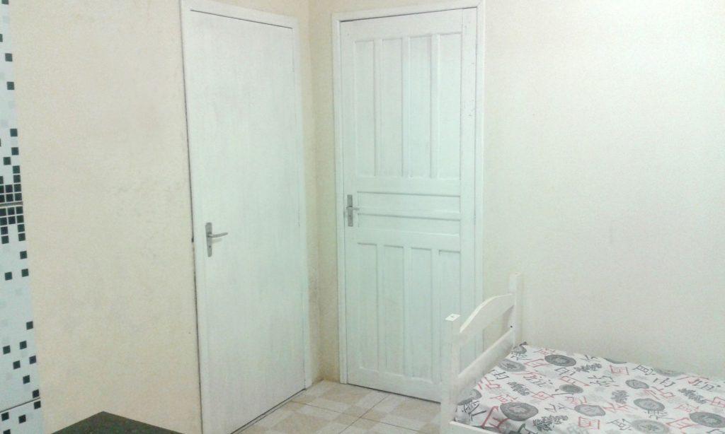 Porta de Entrada e do Banheiro